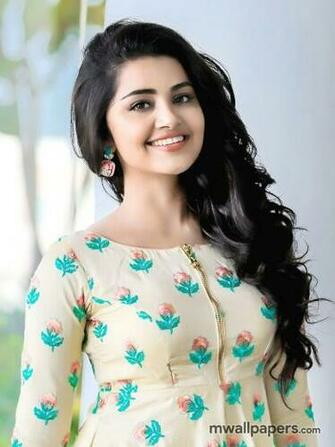 Anupama Parameswaran HD Images   916 anupama actress