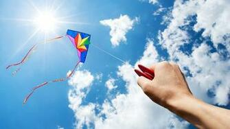 HD Wallpaper Of A Kite Flying High PaperPull