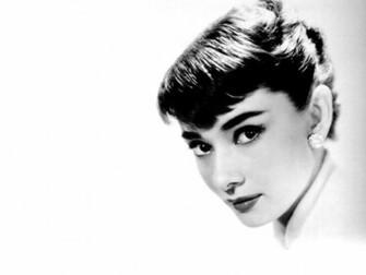 Audrey Hepburn Wallpaper 1024x768 Audrey Hepburn Monochrome White