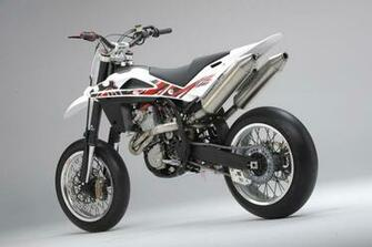 Husqvarna motorcycles pics specs and list of models