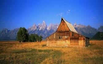 Wooden mountain cabin wallpaper 9535