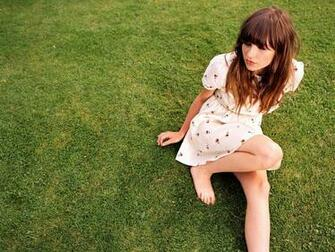 Gabrielle Aplin HD Wallpaper Background Image 2000x1500 ID