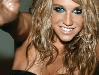 Wallpaper Kesha Smile Sexy Wallpaper 1600 x 1200   Desktop
