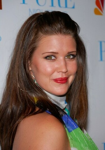 Sarah Lancaster Photos Pictures wallpapers Sarah Lancaster