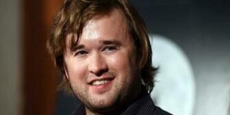 Haley Joel Osment Wallpapers Images Photos Pictures Backgrounds