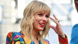 Taylor Swifts New Album Folklore Drops at Midnight Teen Vogue
