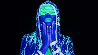 Naomi feels The Glow photos WWE