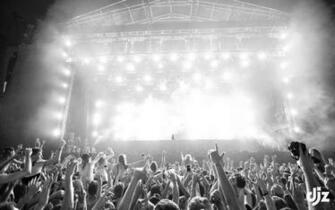 Rave Concert B W Lights D J Crowd wallpaper 1920x1200 125443