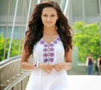 Amazing Sana Khan Beautiful Look Mobile Desktop Hd Background