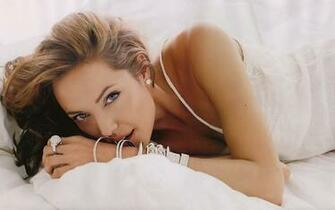 Angelina Jolie Pose Exclusive HD Wallpapers 3833