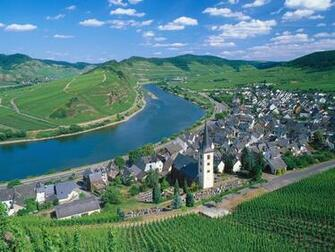 Moselle River Germany picture City of Bremm and Moselle River Germany