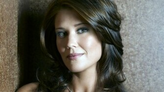 sarah lancaster 03   Wallpaper Me Celebrity Wallpapers