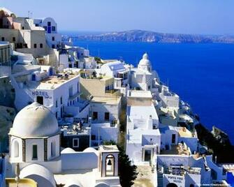 1280x1024 Santorini   Greece desktop PC and Mac wallpaper