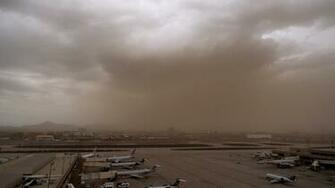 Watch Haboob windstorm blankets Phoenix with choking red dust
