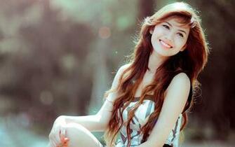 Most Beautiful Girls Smile Wallpapers long hair