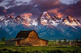 Farm barn rustic sunset sunrise mood mountain wallpaper 2048x1367