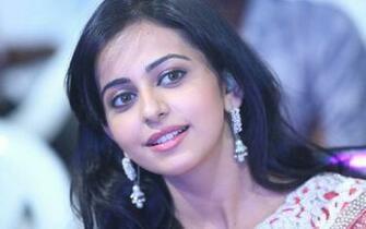 Hd Rakul Preet Singh Cute Smile Still Background Mobile