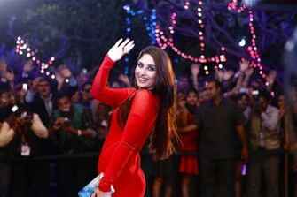 Kareena Kapoor Latest Kareena Kapoor Hot In Red HD Wallpapers 2015