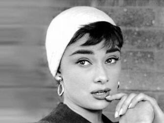 Audrey Hepburn Wallpapers 1024x768