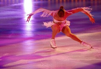 Ice Skating Wallpaper Carolina Kostner