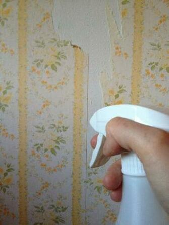 Easy All Natural Wallpaper Removal Tip Use Vinegar and Hot Water