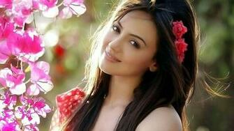 Sana Khan Pictures