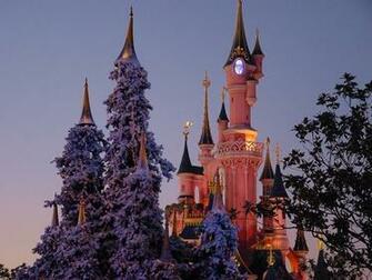 Disney Castle in Christmas wallpaper   Desktop Wallpaper