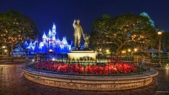 coinwp contentuploads201311disney world christmas wallpapersjpg