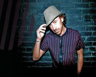 Download wallpaper 1280x1024 benny benassi wall hat hand