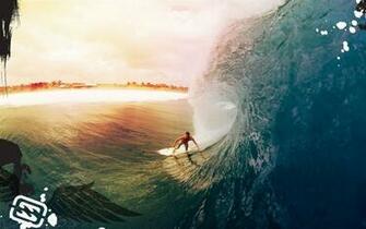 Sport foto met surfer die surft op een zeer hoge golf