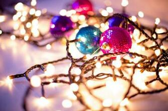 16 Gorgeous Christmas Holiday Themed Bokeh Wallpapers