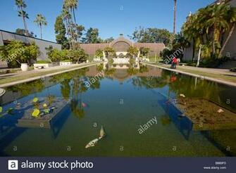 Fish pond with the Botanical Building at the background Balboa