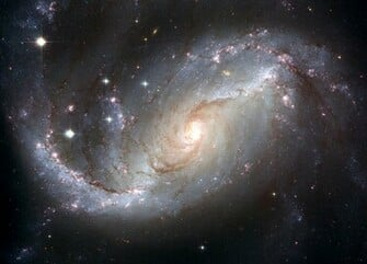 Hubble telescope reveals spectacular spiral galaxy Daily Mail Online