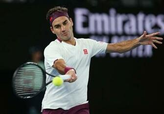 Roger Federer Moves Into Australian Open Quarterfinals As