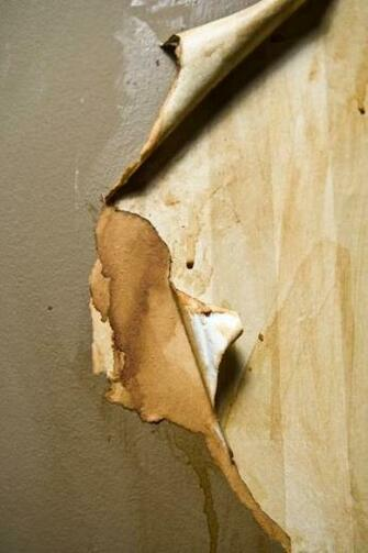 How to Skim Coat Drywall After Wallpaper