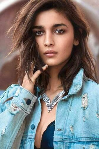 Alia Bhatt latest gorgeous looking HD mobile wallpaper Alia Bhatt