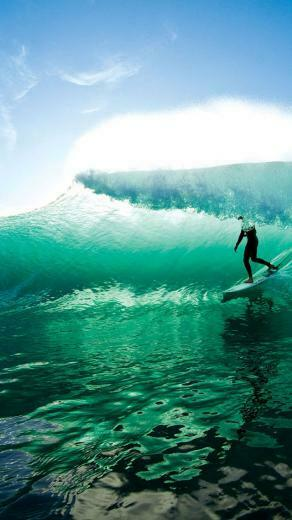 Wave Surfing iPhone 5 Wallpaper 640x1136