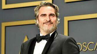 Joaquin Phoenix Quotes Late Brother River in Emotional Best Actor