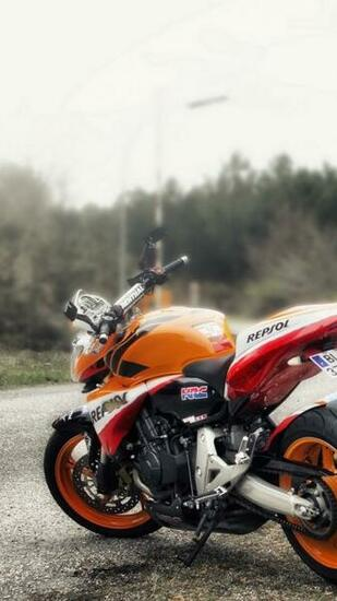Download wallpaper 720x1280 hornet and cb100r bikes road samsung