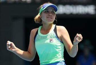 Sofia Kenin reaches first Grand Slam semifinal at Australian Open