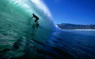 surfing widescreen   1680x1050 wallpaper