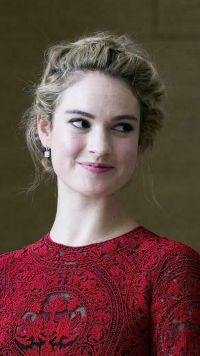 750x1334 2019 Lily James iPhone 6 iPhone 6S iPhone 7 Wallpaper