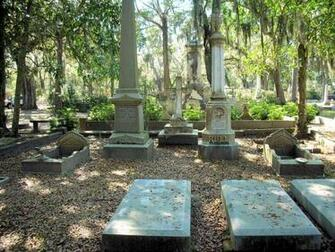Savannah Georgias Bonaventure Cemetery